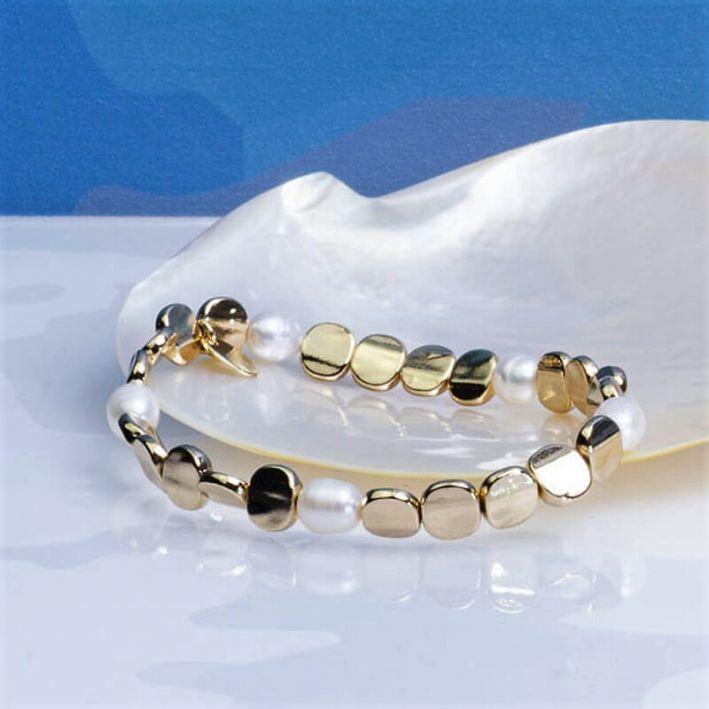 Bracelet Perles de culture blanches et acier doré brillant
