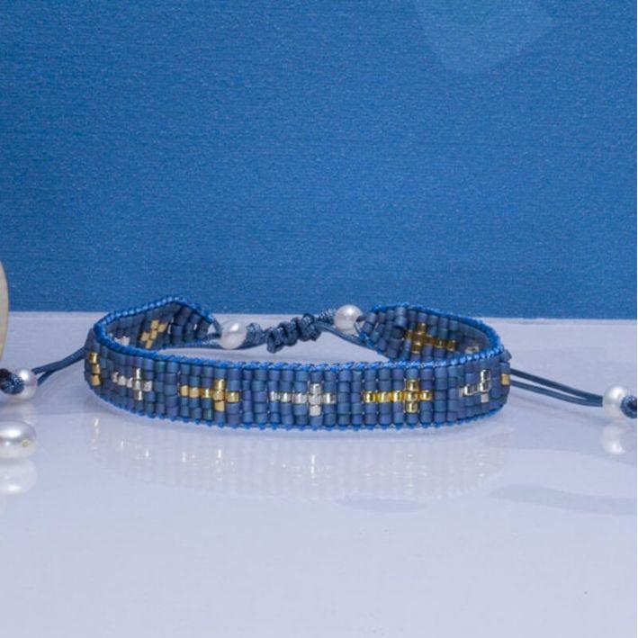 Bracelet bleu perles de rocaille tissées et croix